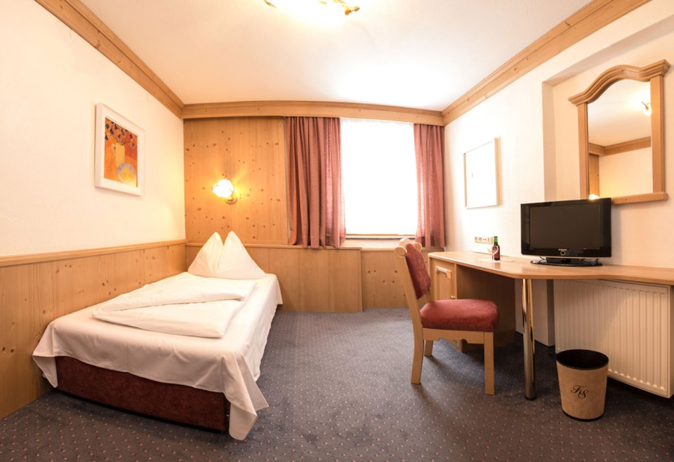 hotelkarlschranz_web_04-einzel-single-room