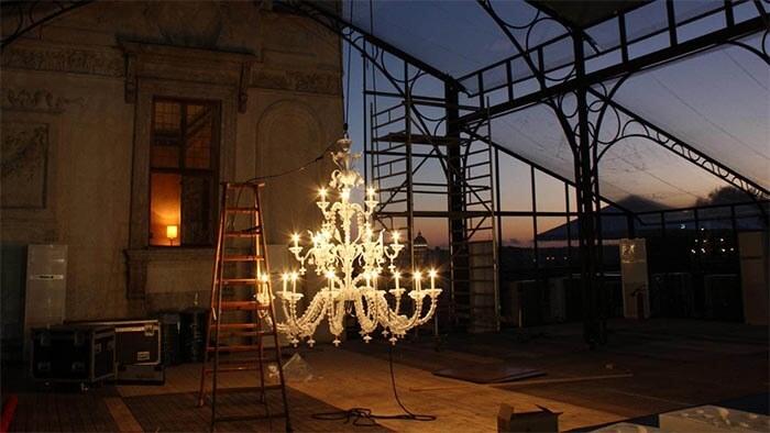 Sito numero 1 in italia per l'acquisto di lampadari in vetro di murano direttamente dalla fabbrica a venezia. Lampadari In Vetro Di Murano Produzione Lampadari Lusso Artigianali