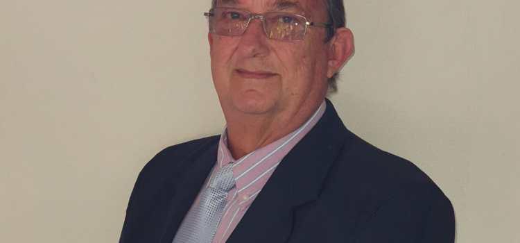 Dr. Piet Steenkamp