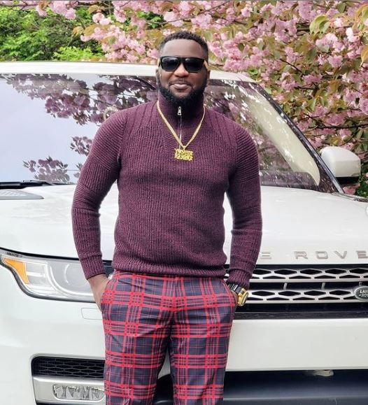 (Video) Movie producer, Kenny Odugbemi acquires brand new Range Rover Jeep