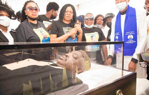 (PHOTOS) Lying-In-State of late Yinka Odunmakin's