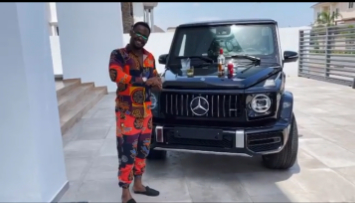 Nigerian actor, Zubby Michael bought new G-Wagon Worth N120M