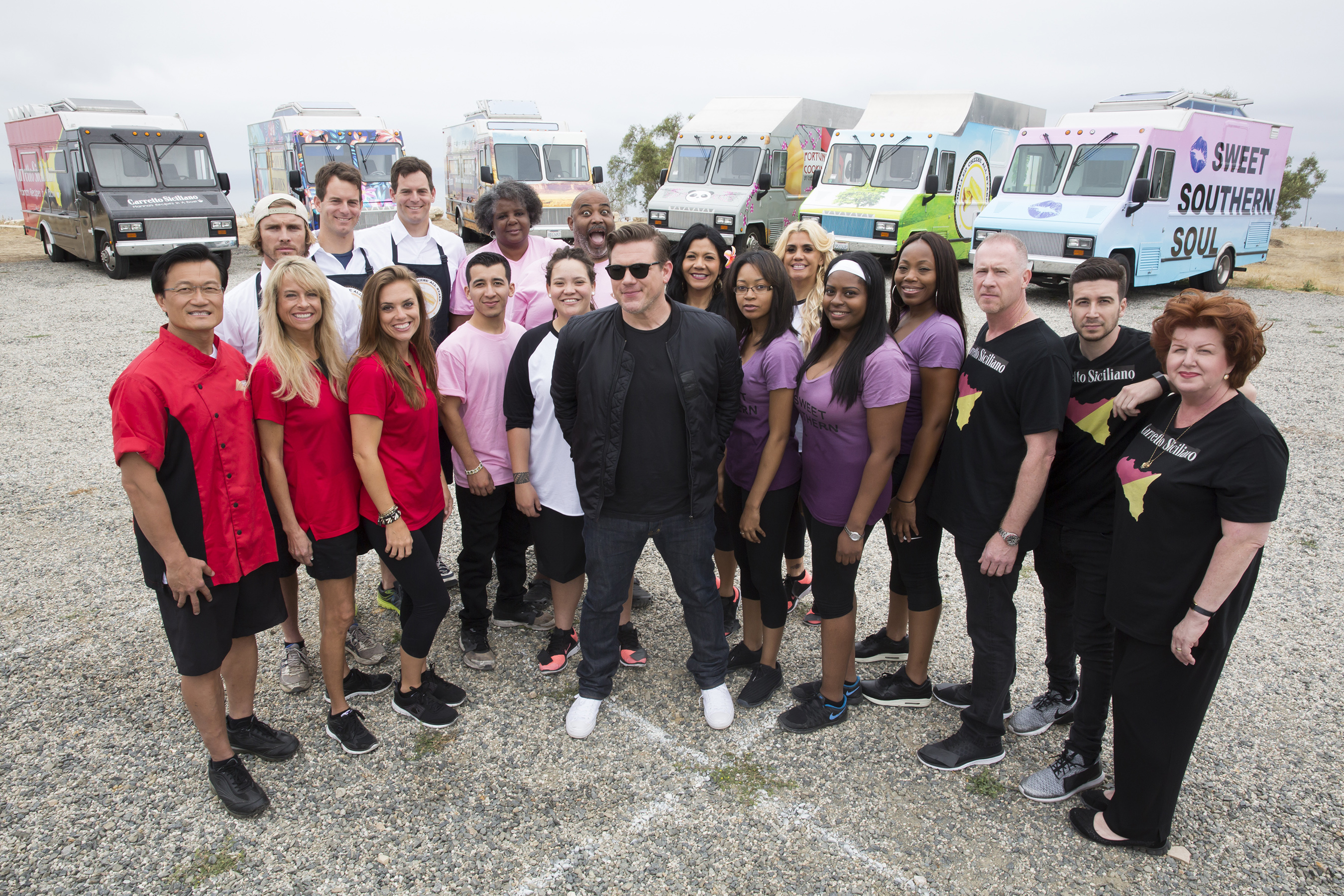 host tyler florence with the teams of food network s great truck race 6 hr
