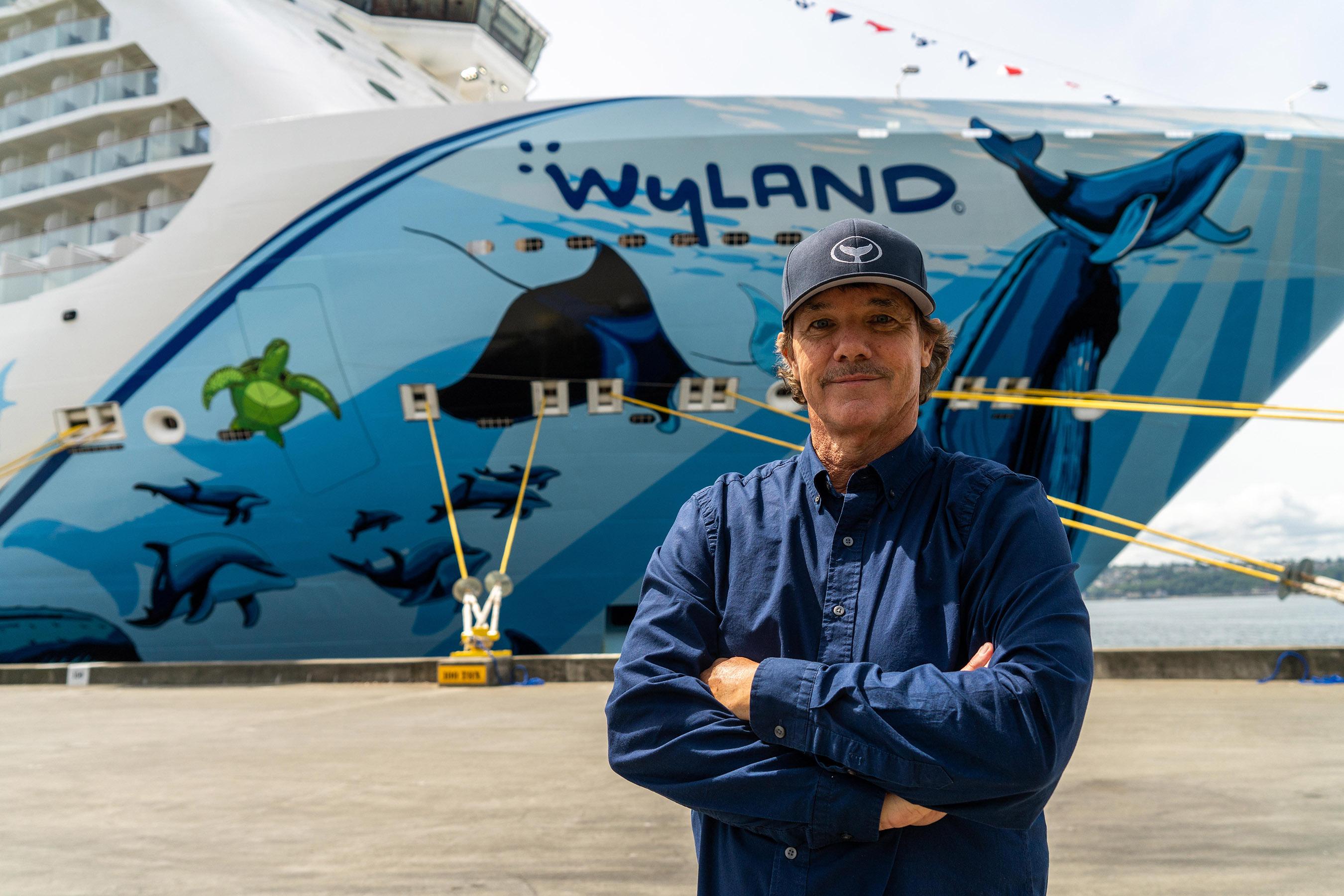 Norwegian Cruise Line Celebrates Norwegian Bliss With Show