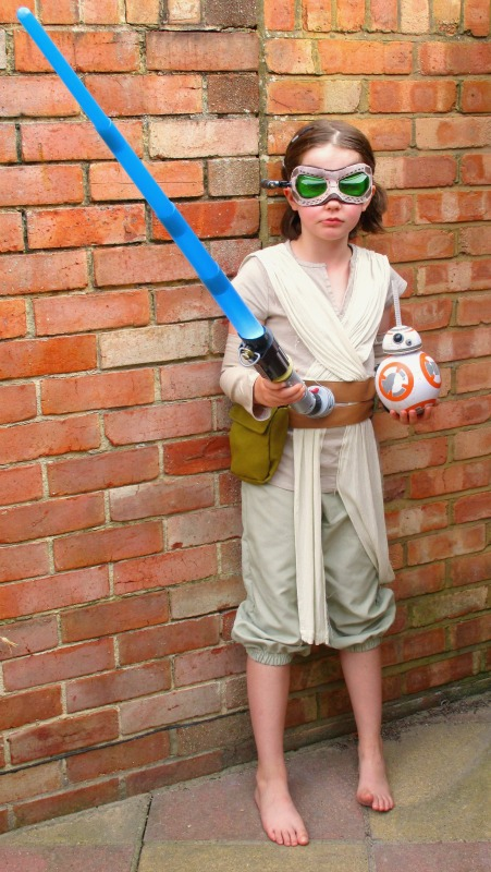 H as Rey with lightsaber and BB8 drinking cup, Star Wars Rogue One Toys