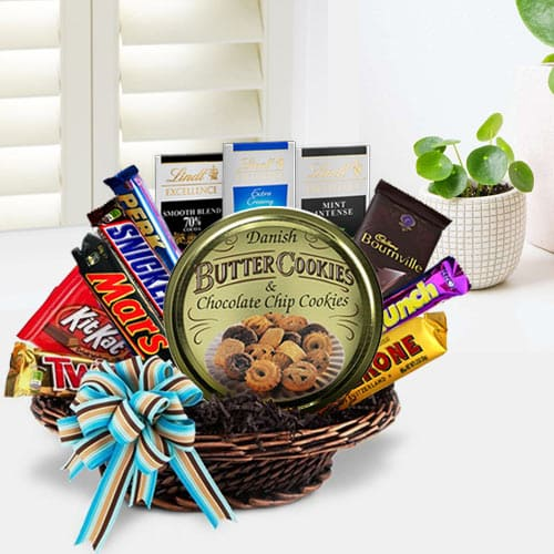 Wonderful Party Special Chocolate Hamper Basket To Mumbai