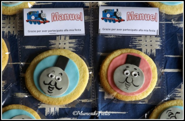 Thomas the Tank Engine cookies. I MUST make these 2nd birthday next year! Cake Cookies, Cookies Ideas, Thomas Cookies, Sugar Cookies