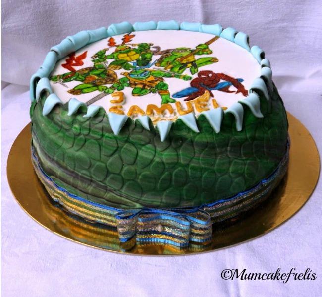 Teenage Mutant Ninja Turtle,Spider Man,Coolest Teenage Mutant Ninja Turtles Cake Ninja Turtle Spider Man Cake. Spiders Man Bday, Bday Parties, torta tartarughe ninja con uomo ragno per compleanno in pasta di zucchero cake fondant