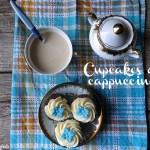 Cupcakes al cappuccino decorati con fiori