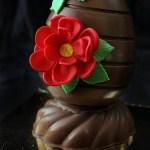 Uova Decorate con fiori in pasta di zucchero