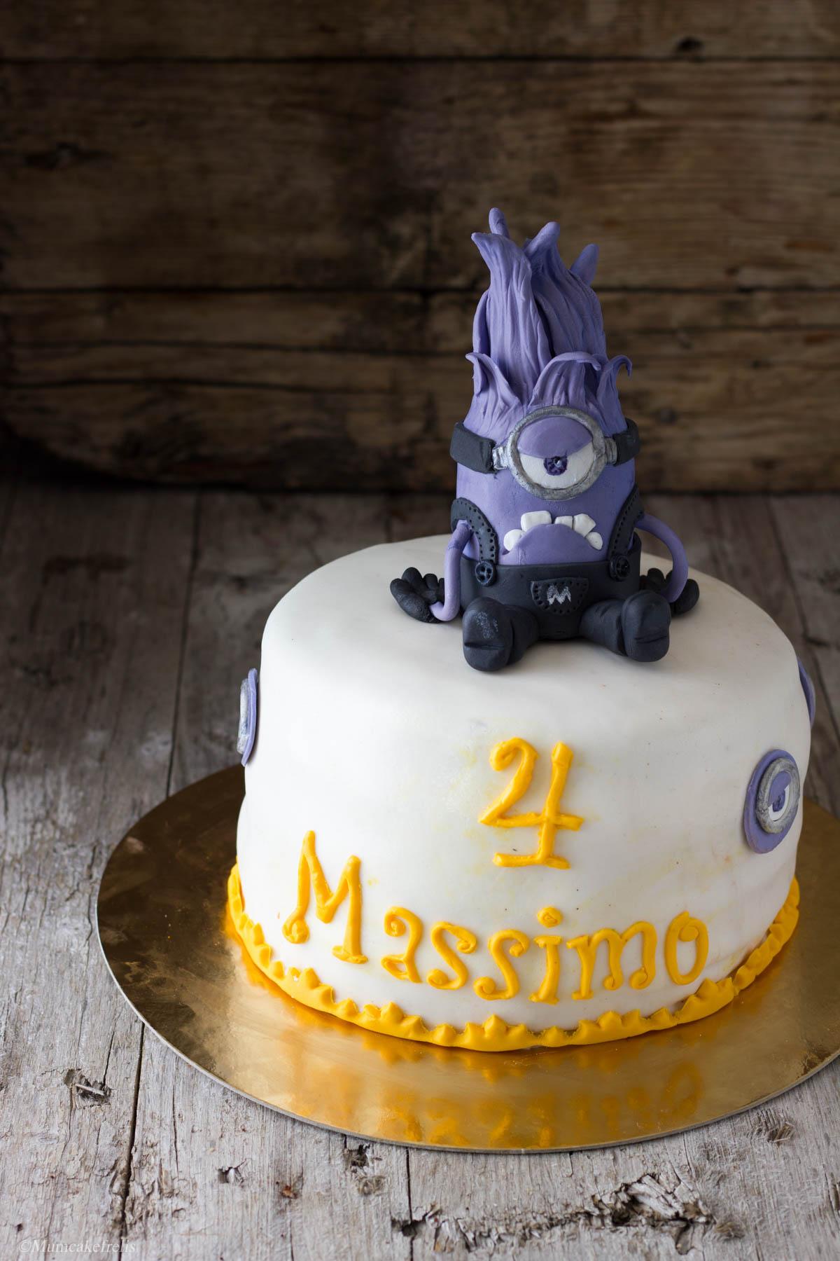cake topper minion viola