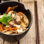 Gnocchi di riso cinesi con verdure