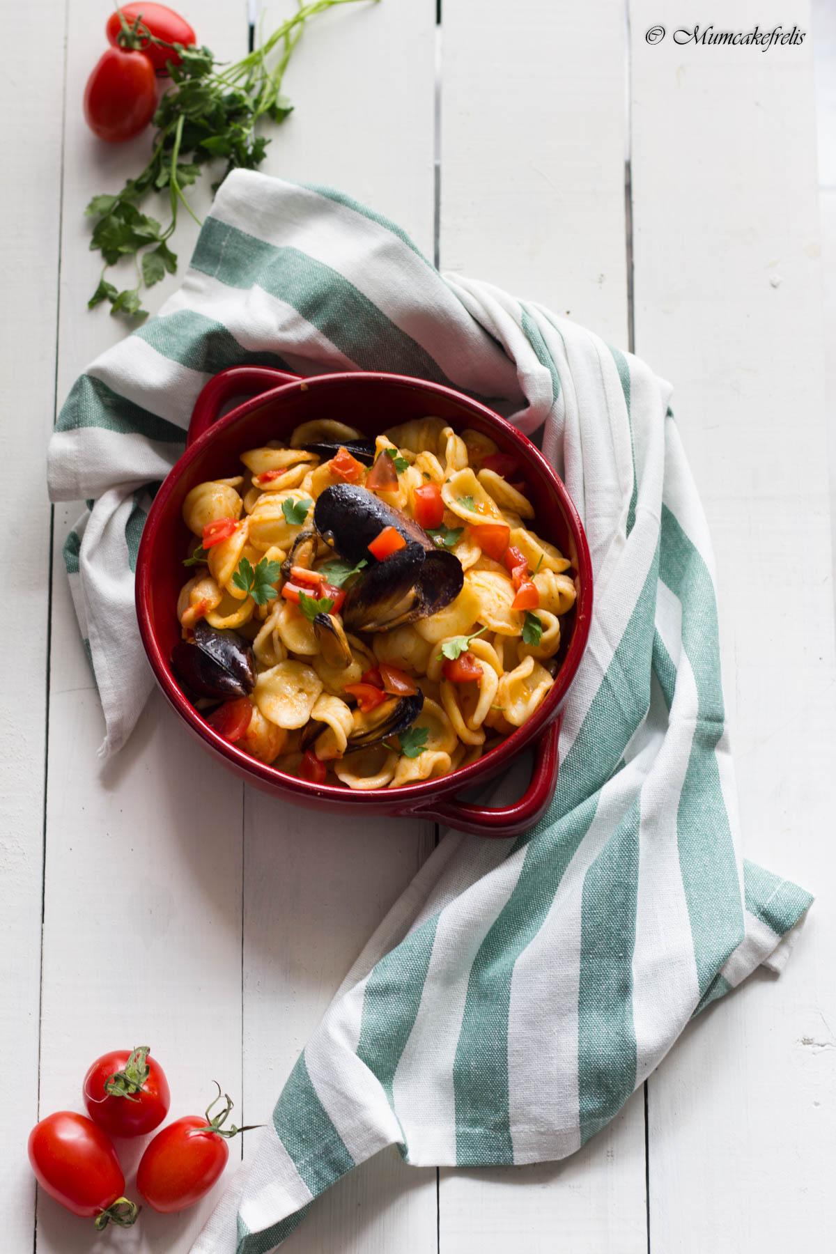 pasta con le cozze, pasta con le cozze surgelate, pasta con le cozze e pomodorini, pasta con cozze e vongole