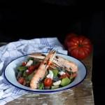 Tagliolini nero di seppia con scampi e verdure