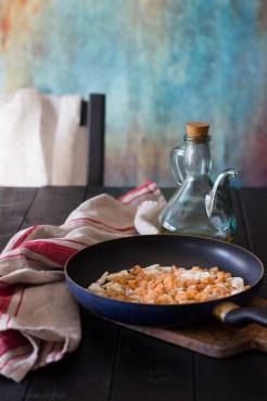 tagliatelle al pesto di pistacchi, gamberetti e galinella