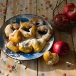 Frittelle di mele cuoriciose, carnevale e San Valentino!