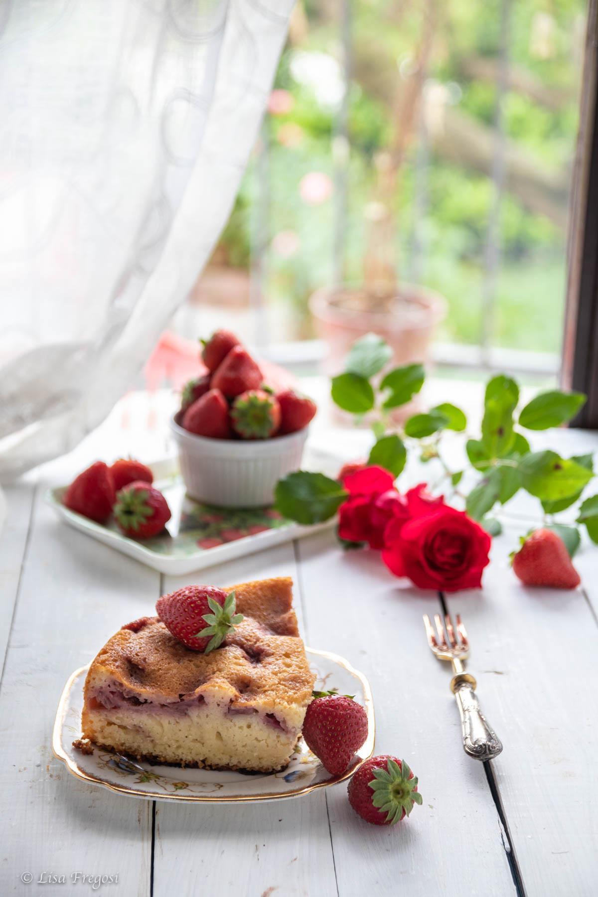 Torta con kefir e fragole