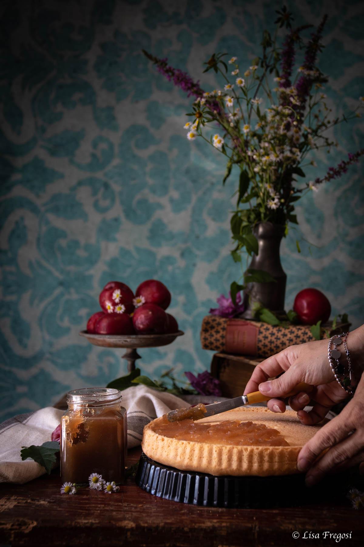 crostata morbida ricetta con susine fresche e confettura di limoni
