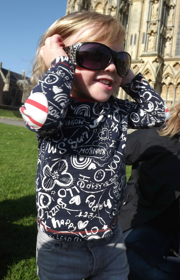 Amy rocking her auntie Lisa's shades