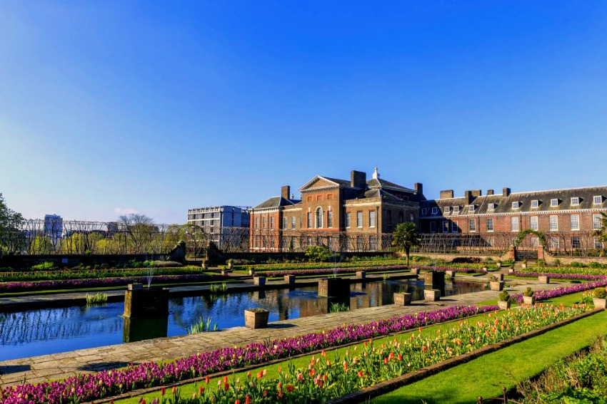 south kensington with kids - kensington palace - london with kids