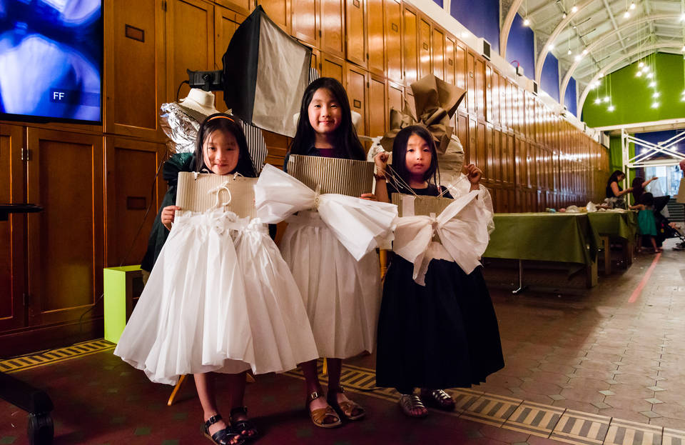things to do in South Kensington with kids - visting London with children - vistoria and albert museum