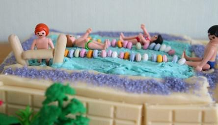 swimmingpoolcake3