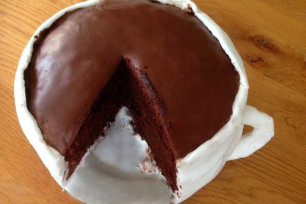 Salted Caramel Hot Chocolate 'Cup' Cake (with Gü)