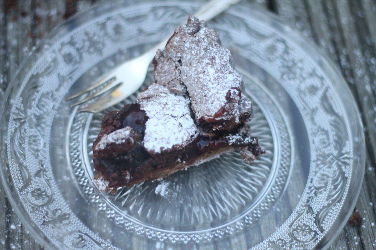 bf tart slice flatlay