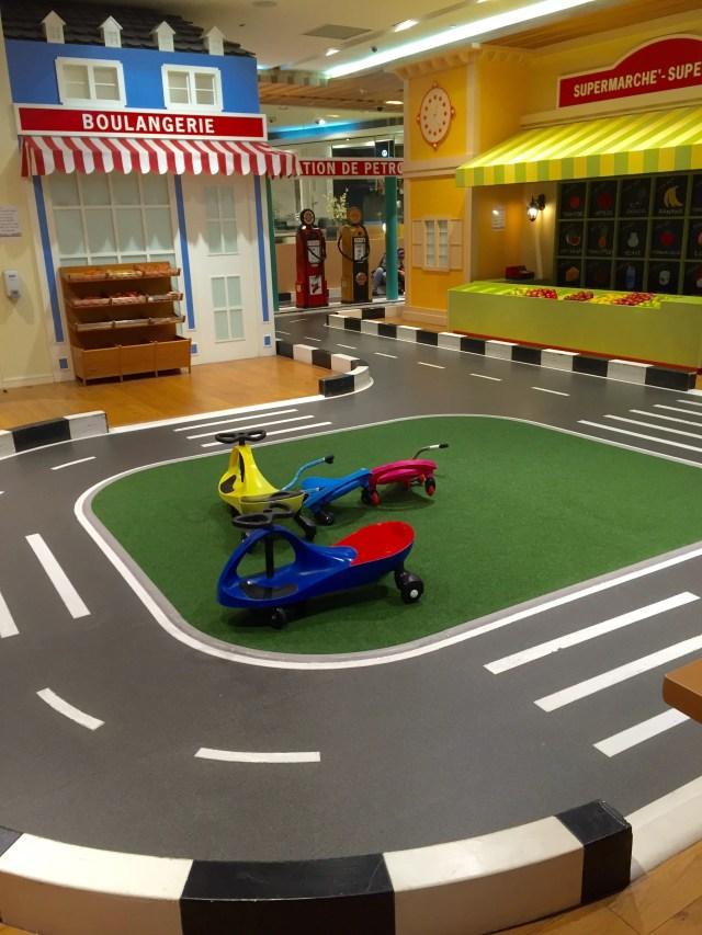 driving track le petit palais