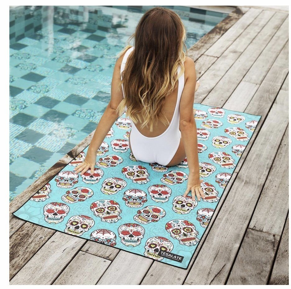 Tesalate sand free towel