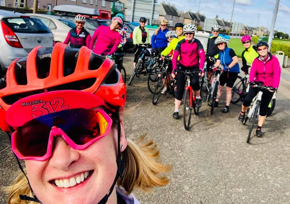 Hervelo cycling club group photo