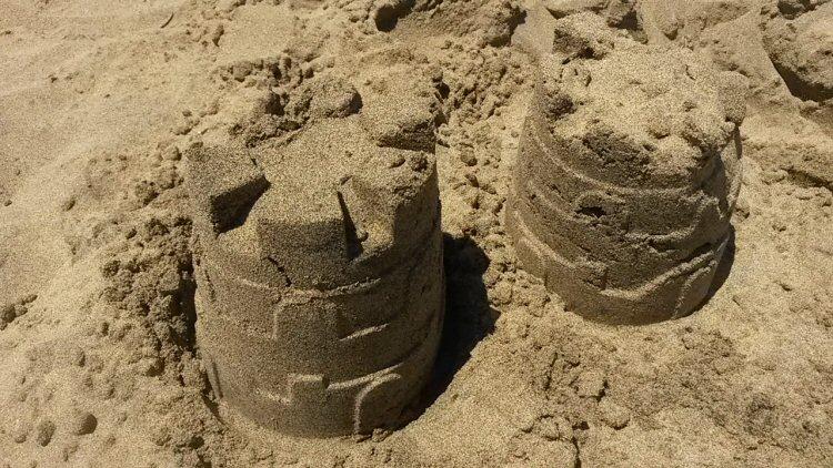 gran-canaria-maspalomas-beach-sandcastles