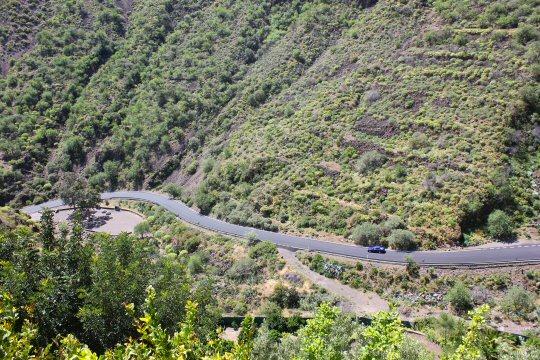 gran-canaria-mountains-road-view