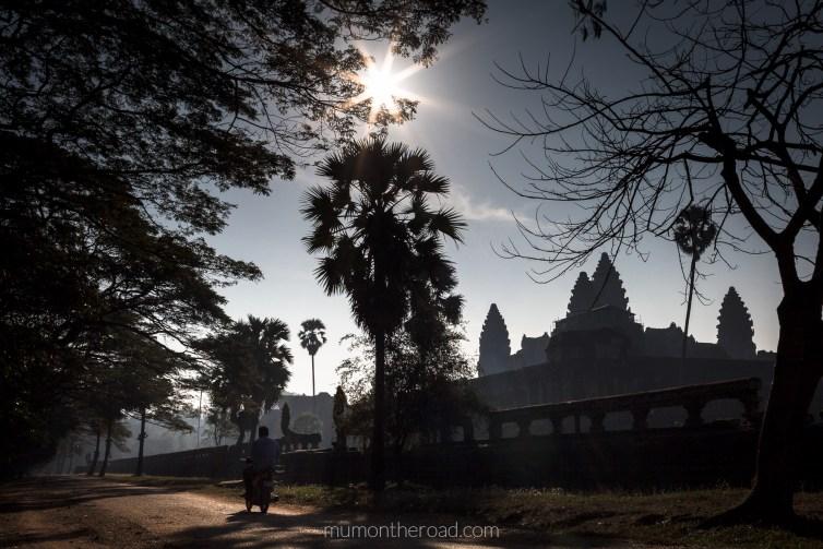 Chemin ouest d'Angkor Vat, ignoré des touristes - Cambodge