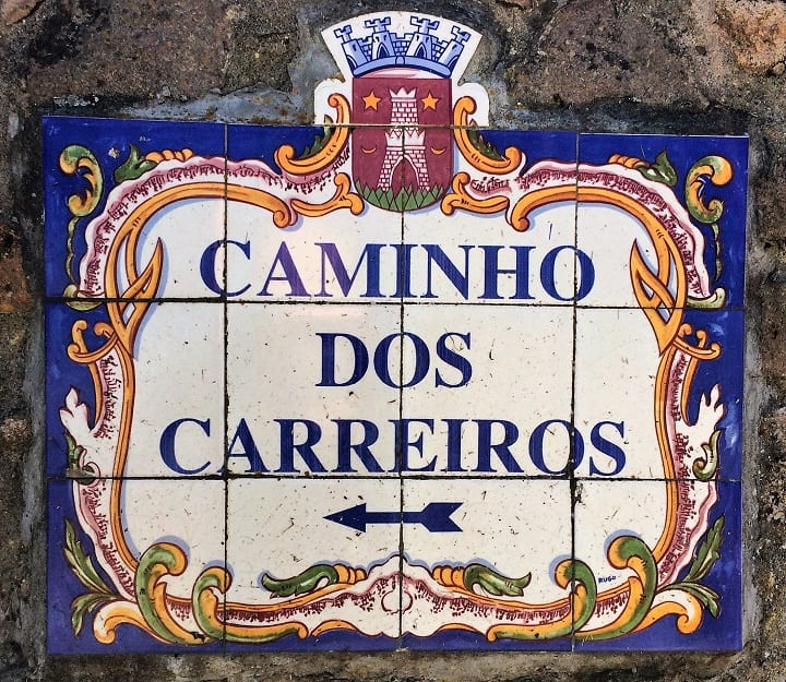 Caminho sign in Portugal
