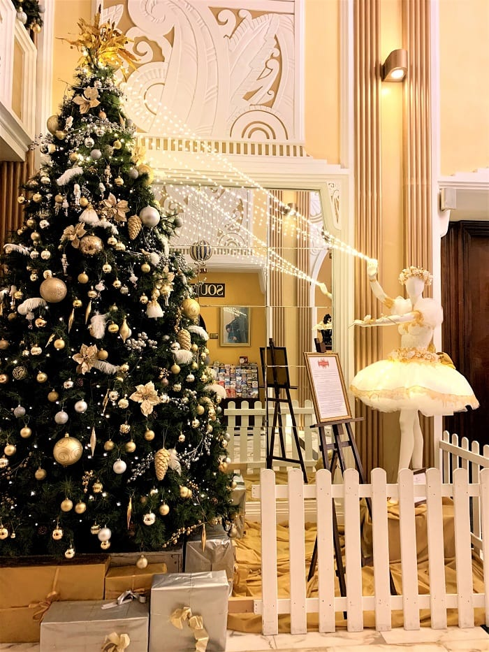 Christmas tree, Imperial Hotel, Cork