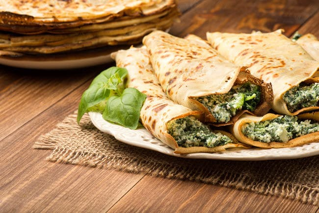 Goat's cheese, spinach and bacon pancakes