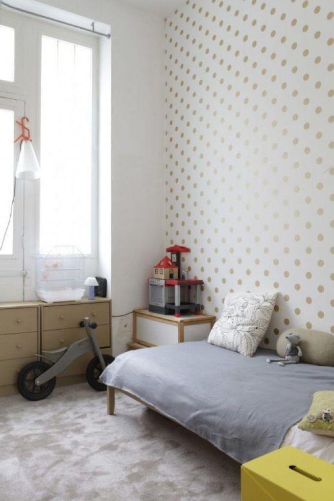 soft-gold-polka-dot-on-white-wallpaper