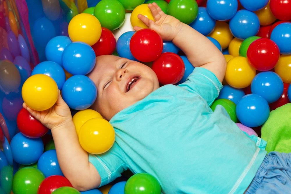 baby playing balls