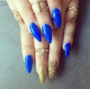 10 'something blue' stiletto nail