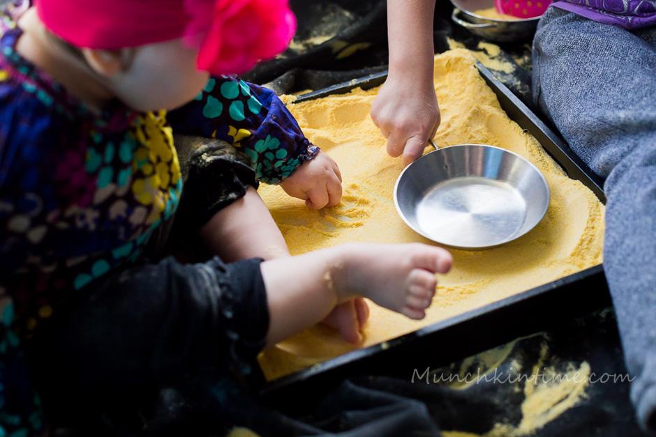Baby-Safe Baby-Sand Fun Indoor Activity