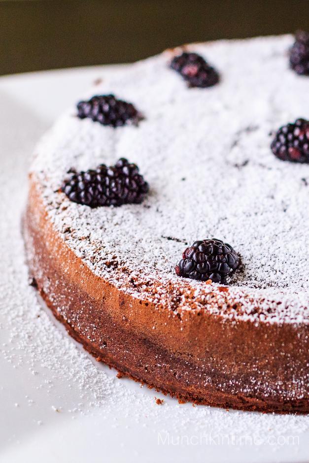 3 ingredients Gluten Free Chocolate Cake Recipe #glutenfreedessert  http://www.munchkintime.com/3-ingredient-gluten-free-chocolate-cake/