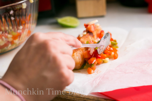 Oven Baked Alaskan Cod Parcels and Roasted Vegetables #codrecipe #dinnerrecipe www.munchkintime.com