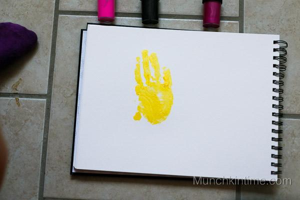 Girl Minions Handprint Art from www.munchkintime.com-3