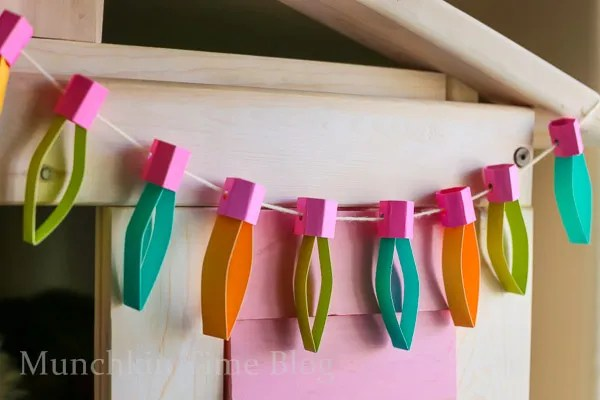 DIY Kids Room Decor - Paper Lights--Perfect for room decor or any holidays like Christmas or Birthday party.-- - www.munchkintime.com #diyroomdecor #craftforkids