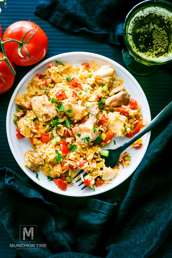 Easy Chicken Thighs Spanish Rice Recipe - an easy dinner idea!