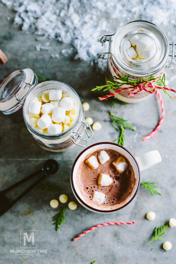 Vanilla Cupcakes in the Jar 10 Christmas Gift Ideas 2017