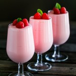 5-Ingredient No-Bake Strawberry Mousse Recipe (Video Inside)