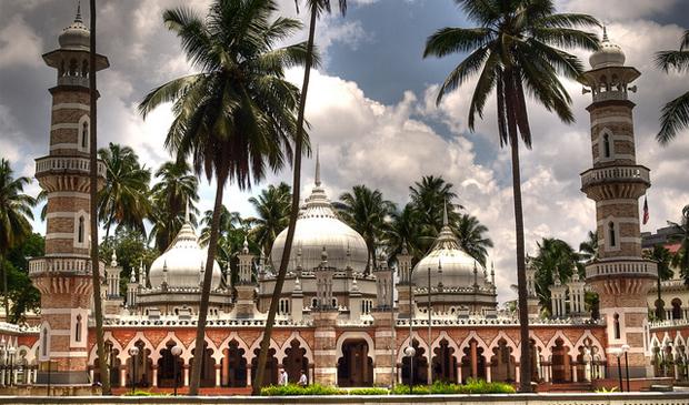 Masjid-Jamek-por-Andrea-Nanni