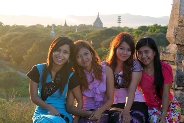 Chicas-birmanas-foto-de-Albert